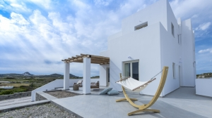 Gallery, Milos Zen Suites: luxury holiday homes rooms Sarakiniko beach